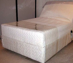 Multiple-zone air mattresses